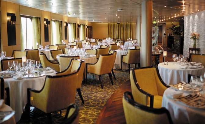 Luxury dining room Regent Seven Seas