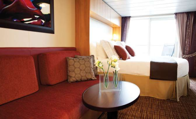 Hut van Celebrity Equinox